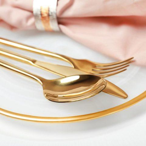 Posate con finitura elegante PVD Gold